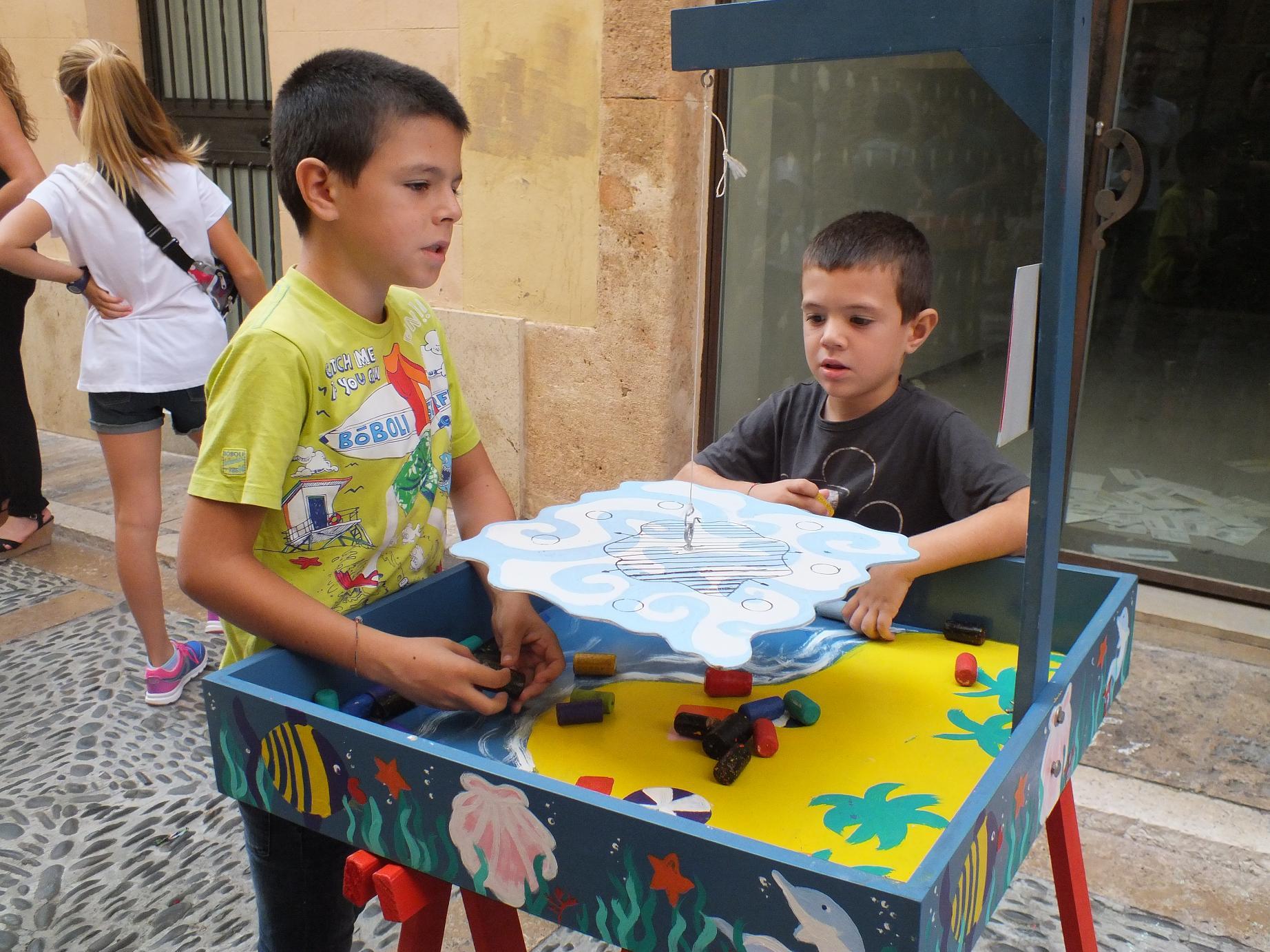 Tarragona_children street games_balance