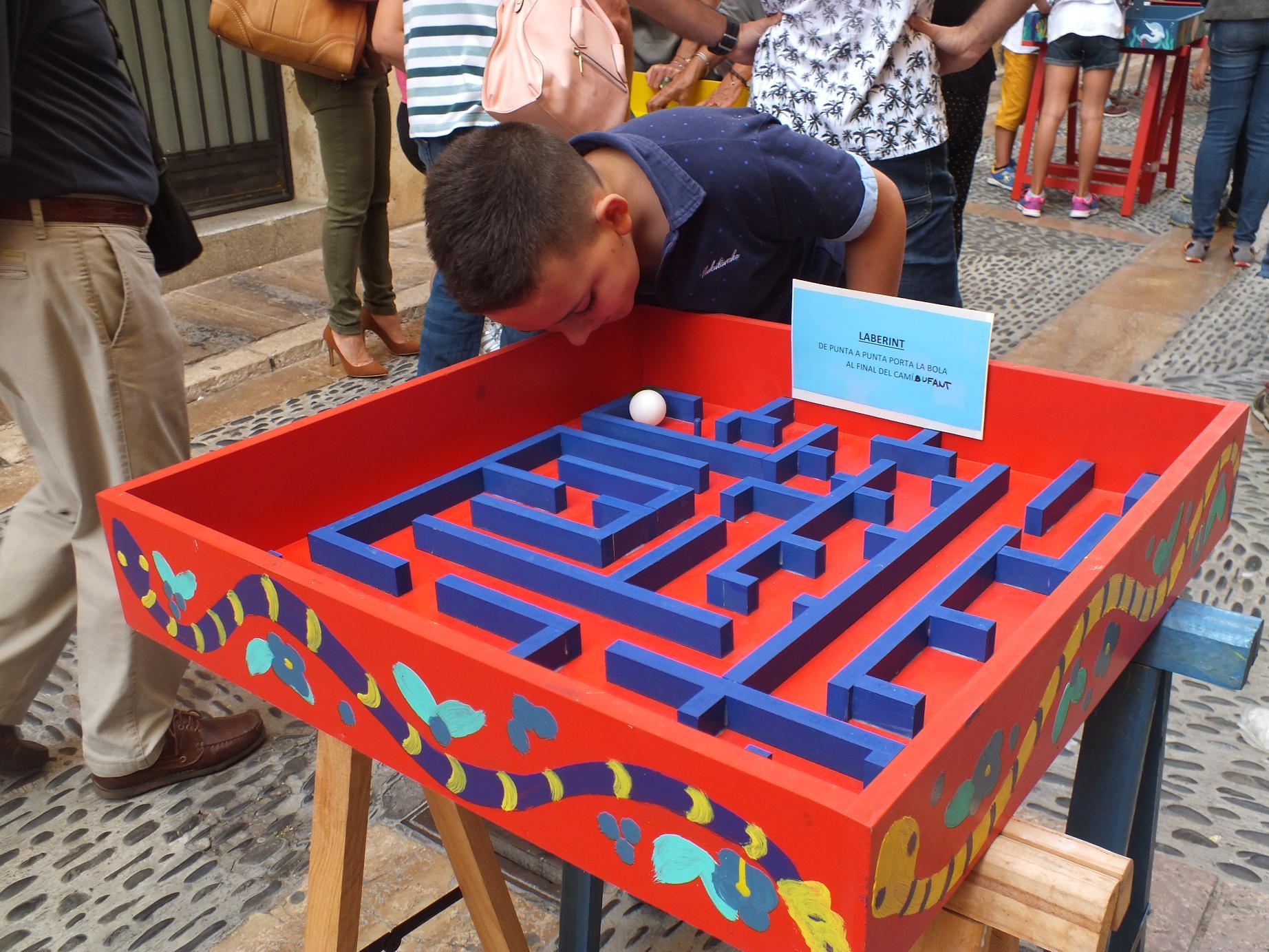 Tarragona_children street games_labirint