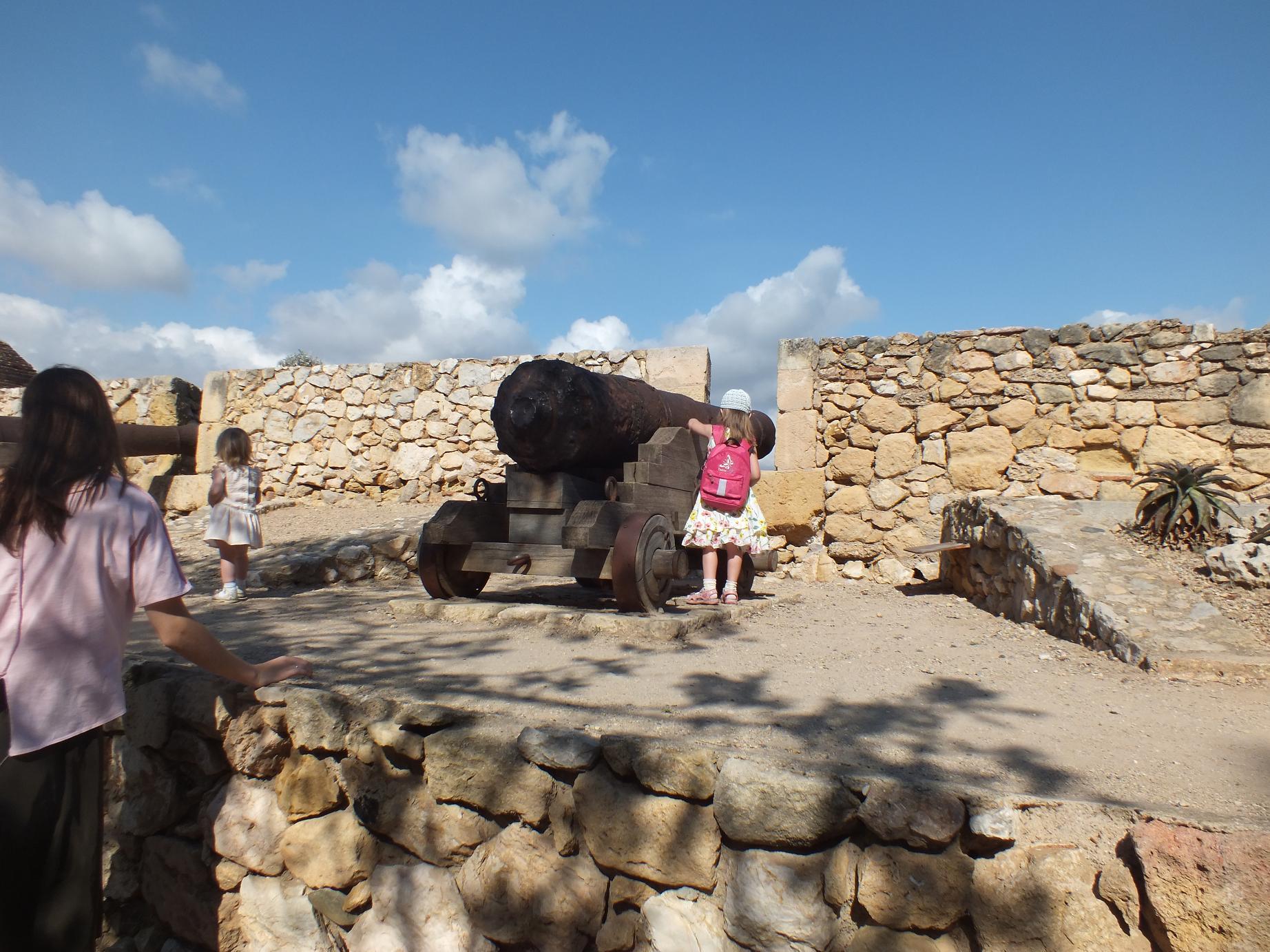 Tarragona_Passeig Arqueològic_big gun