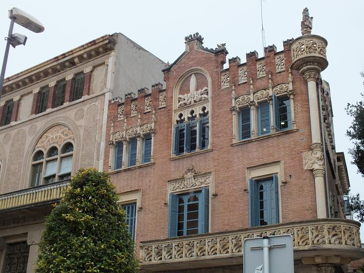 Reus facades