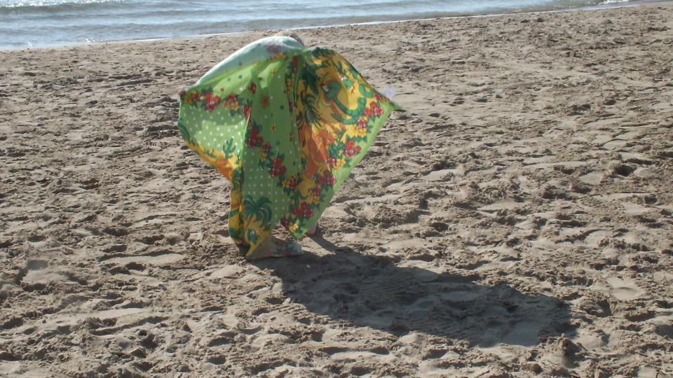Salou_funny seaside walking