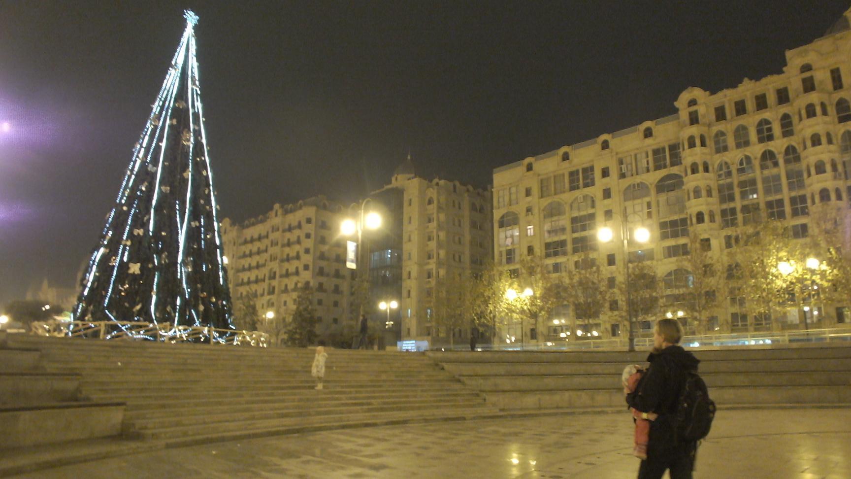 Новогодняя ель на Зимнем Бульваре