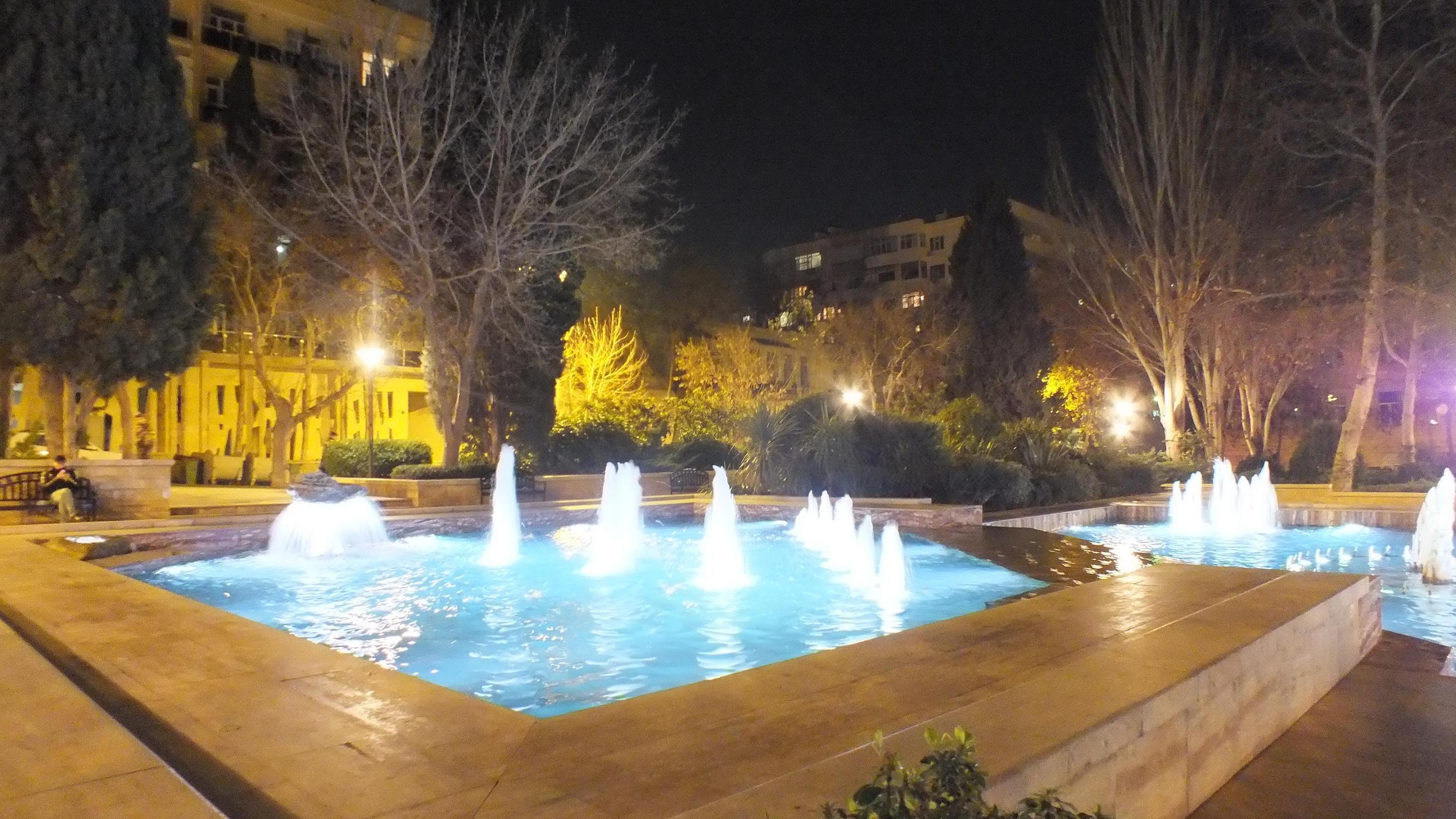 фонтаны в Президентском парке Баку